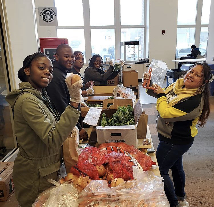 Students helping at the Food Pantry.
